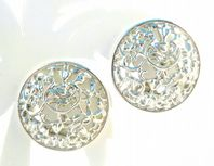 Vintage Sarah Coventry ' Frozen Lace ' Clip On Earrings.